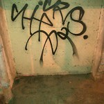 Graffiti Abatement - Report at Intersection Of Webster St & End (000 Block Of)